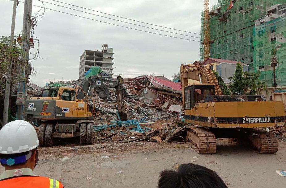 Sugriuvęs pastatas Kambodžoje