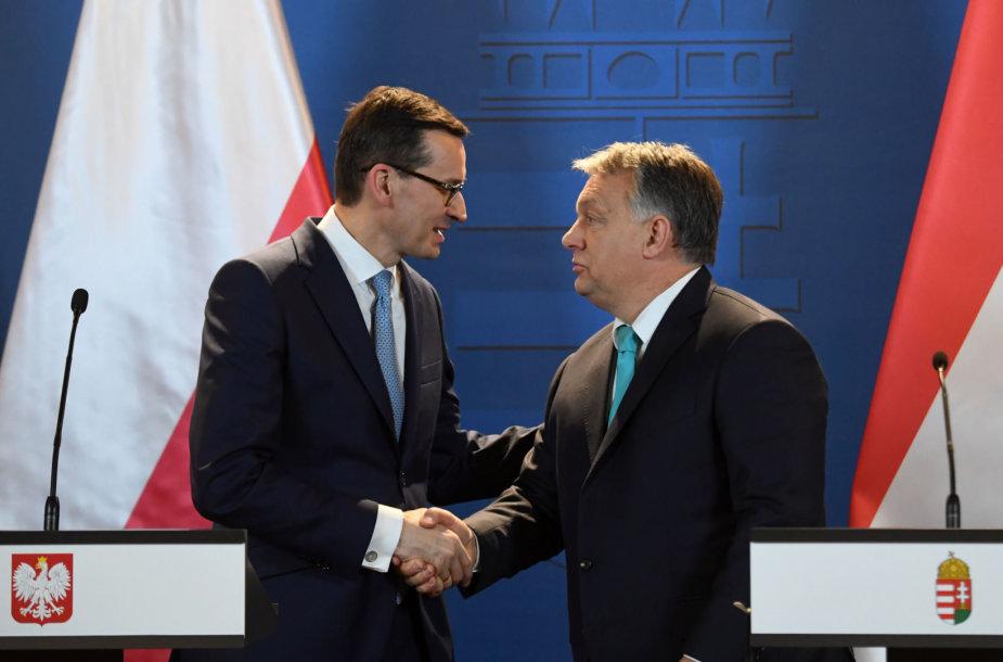 V.Orbanas ir M.Morawieckis (kairėje)