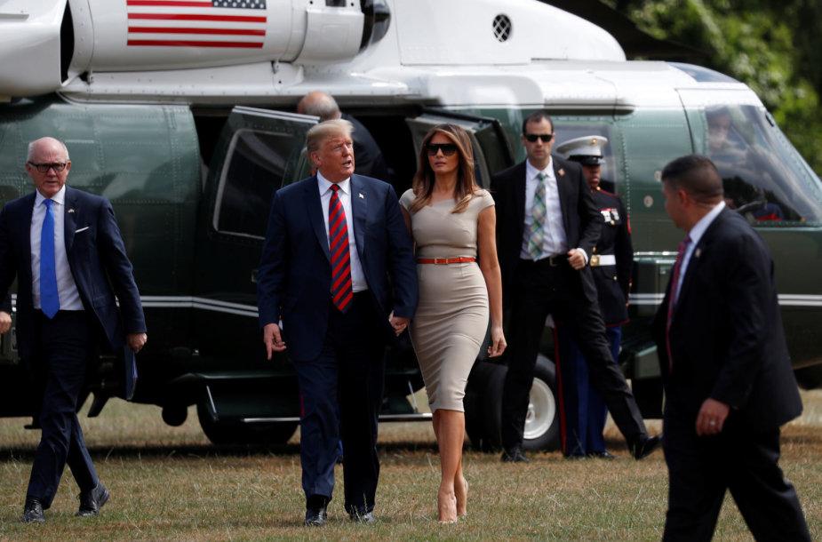 Donaldas ir Melania Trumpai atvyko į Londoną
