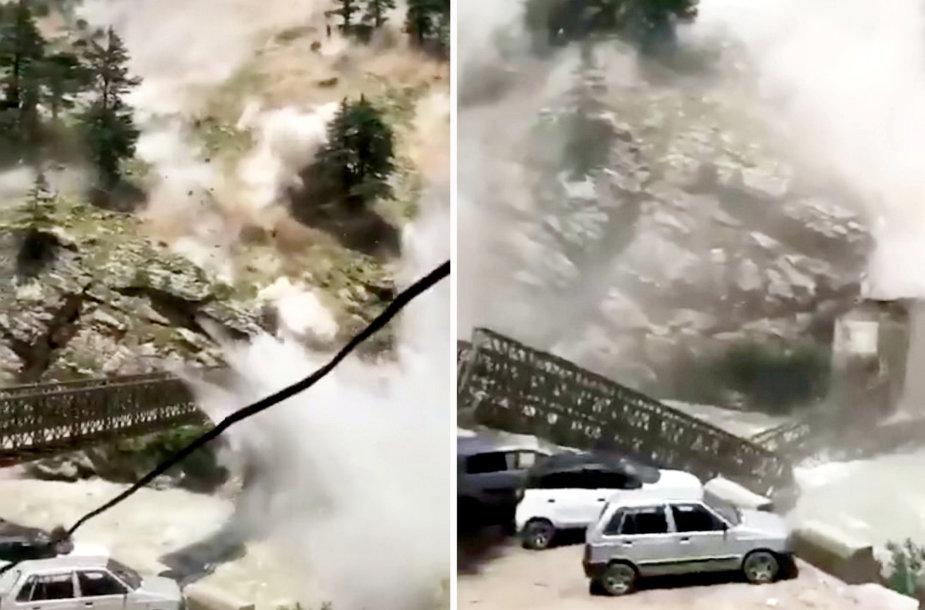 Kalnų griūtis Indijoje