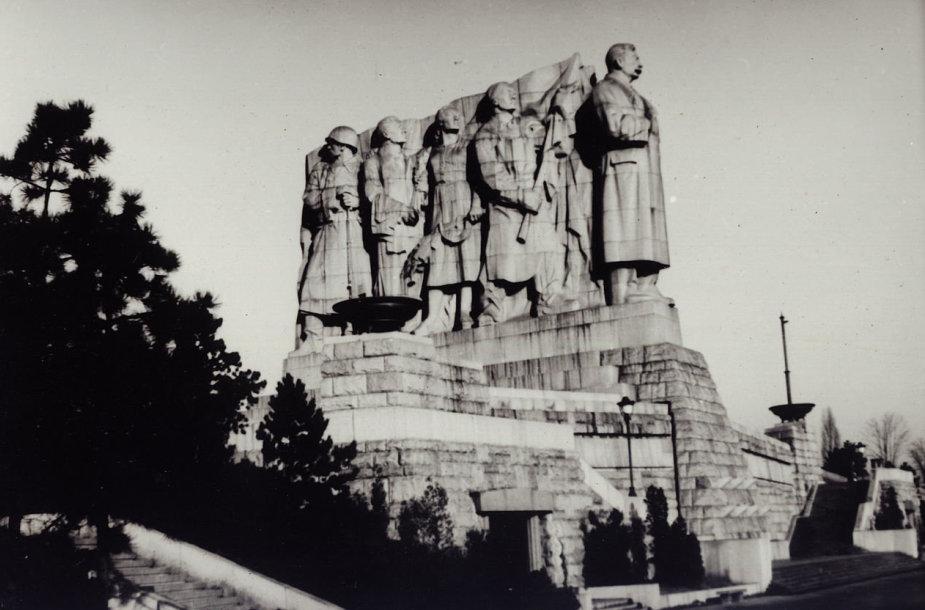 Josifo Stalino paminklas Prahoje