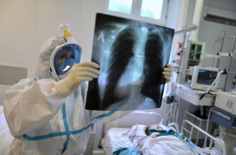 Rusijoje mirčių nuo COVID-19 statistika įtartina