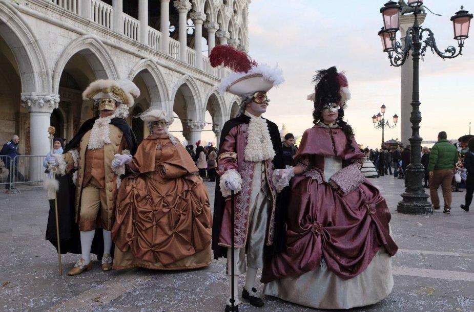 Venecijos karnavalo dalyviai