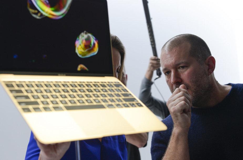 """""""Apple"""" vyriausiasis dizaineris Jonathanas Ive'as"""