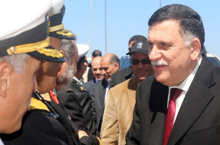 Paskirtasis Libijos premjeras Fayezas Serajis (dešinėje).