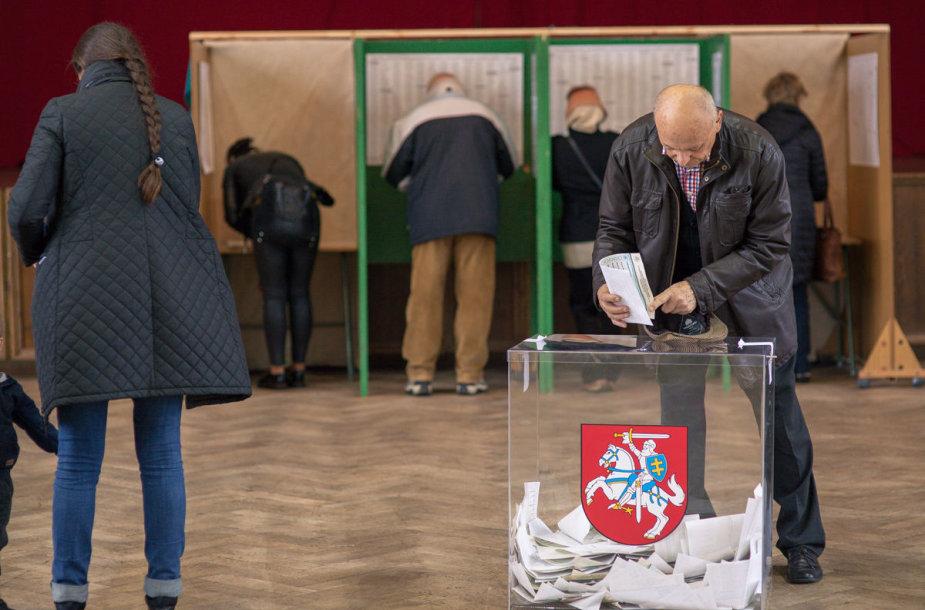 Klaipėdiečiai balsuoja Seimo rinkimuose