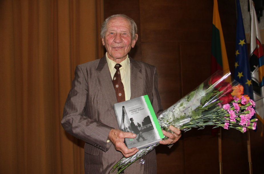 Algirdas Klimkevičius pristato Lietuvos futbolo istorijos knygą