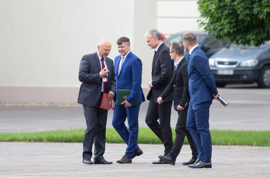 Gitanas Nausėda iš Prezidentūros išvyko jau su apsauga