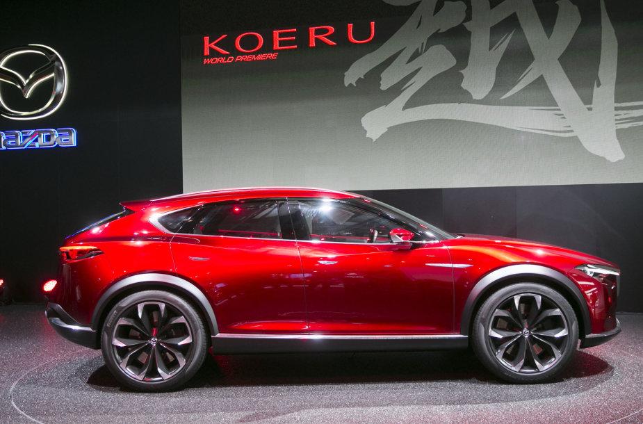 """""""Mazda"""" stendas Frankfurto automobilių parodoje"""