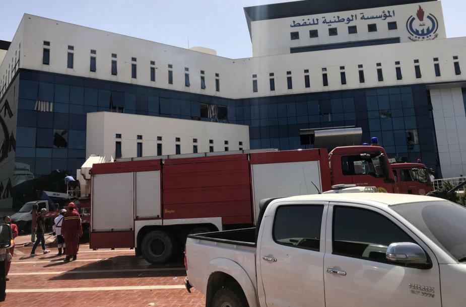 Tripolyje atakuota Libijos nacionalinės naftos bendrovės būstinė
