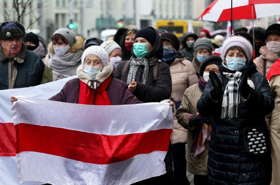 Minske protestuojantys pensininkai