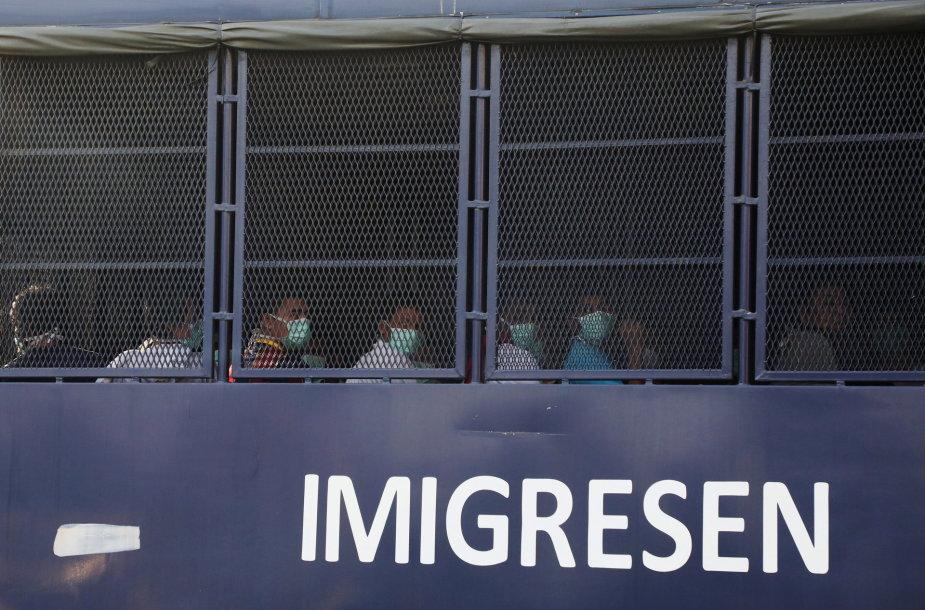 Iš Malaizijos deportuojami Mianmaro piliečiai