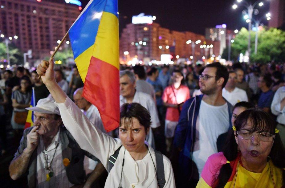 Rumunai protestuoja prieš socialdemokratų inicijuojamas teisingumo sistemos reformas