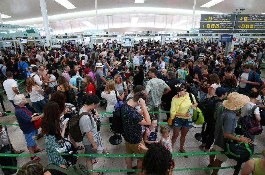 Eilės Barselonos oro uoste