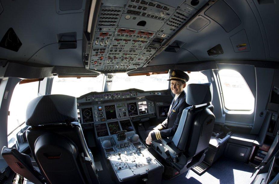 """Emirates airlines"" pilotė ""Airbus A380"" lėktuve"