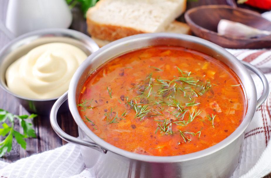 Pikantiška saldžiarūgštė kopūstų sriuba