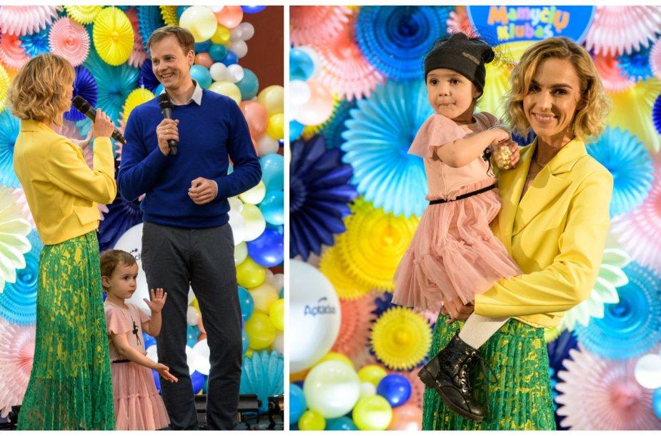 Indrė Kavaliauskaitė-Morkūnienė su dukrele ir Nerijus Juška