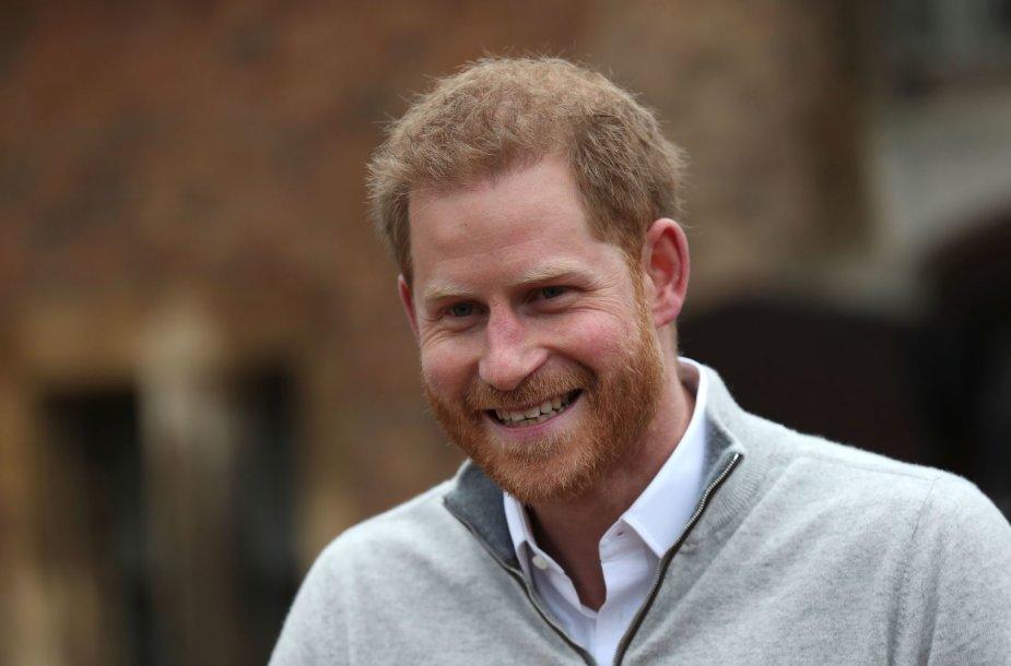 Princas Harry po žinios apie gimusį kūdikį bendravo su žiniasklaida