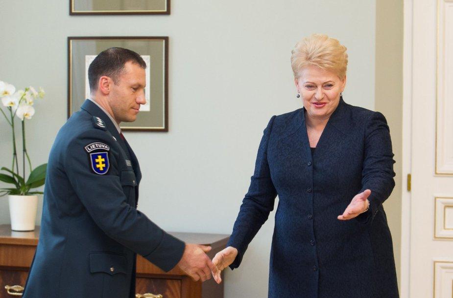 Prezidentė Dalia Grybauskaitė susitiko su policijos generaliniu komisaru Linu Pernavu