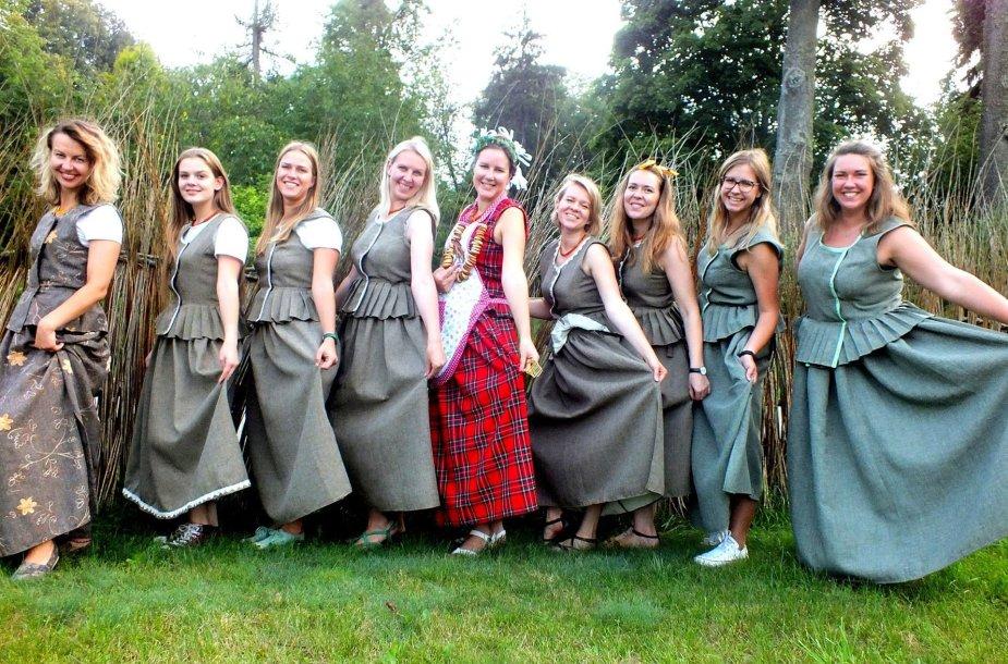 Nijolės Gornatkevičės organizuojami senoviniai mergvakariai