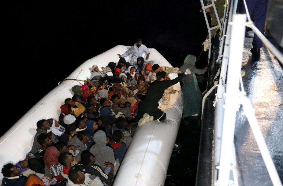 Prie Libijos krantų daug migrantų buvo išgelbėti, bet 11 žuvo