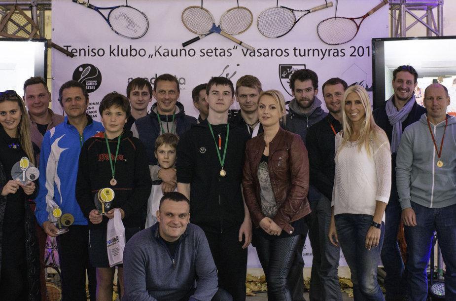 """""""Vasaros vienetų ir dvejetų"""" teniso turnyro finalai"""