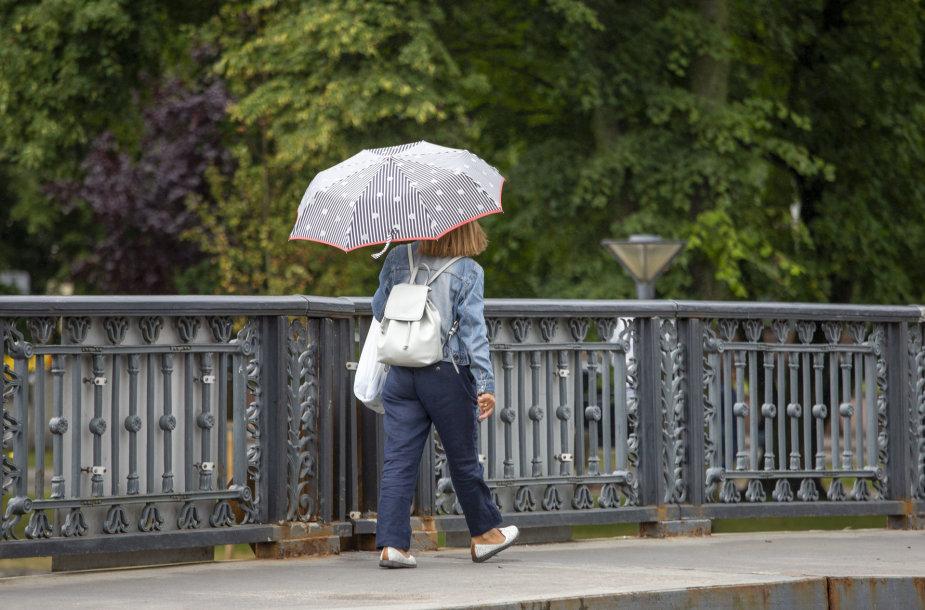 Vėjuotas šeštadienio pasivaikščiojimas po Klaipėdos miestą