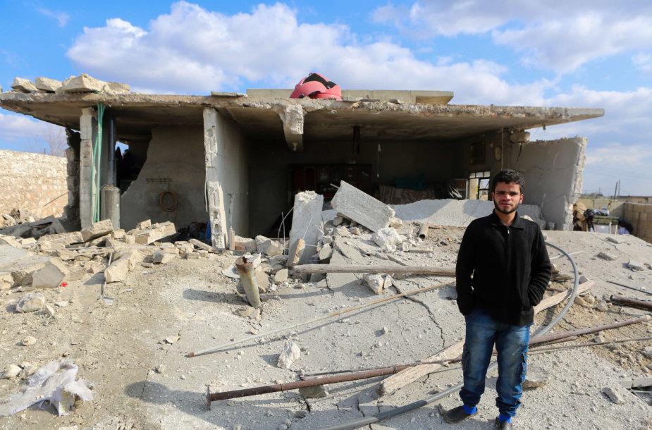 Per Rusijos aviacijos smūgius Sirijoje žuvo 12 civilių