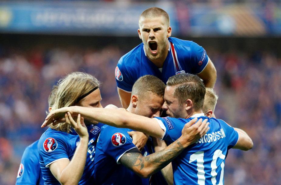 Islandai triumfavo per pridėtą laiką