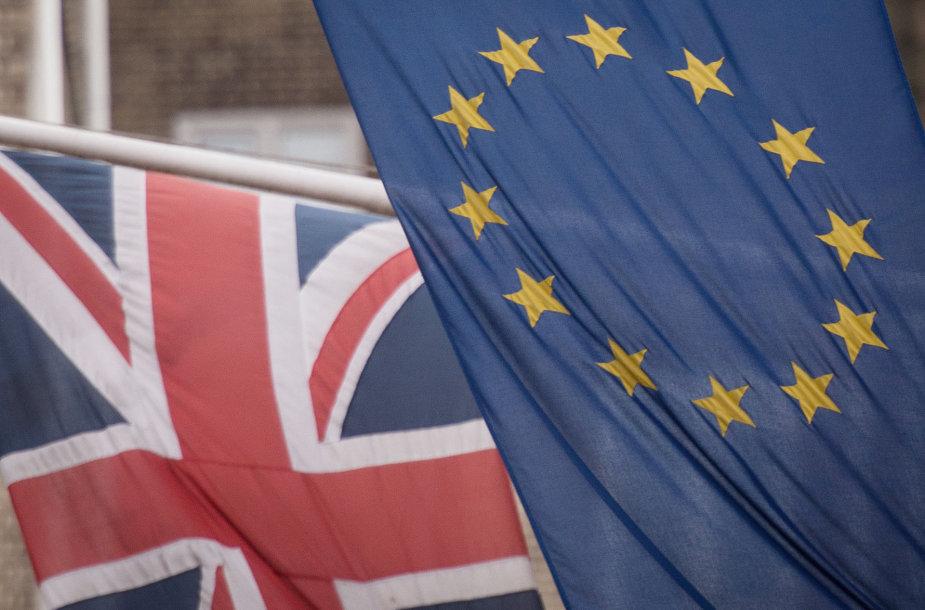 JK ir ES vėliavos