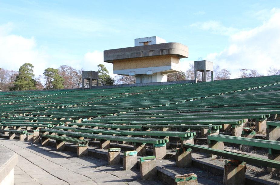 Klaipėdos vasaros estrada – aplūžusi ir bauginanti