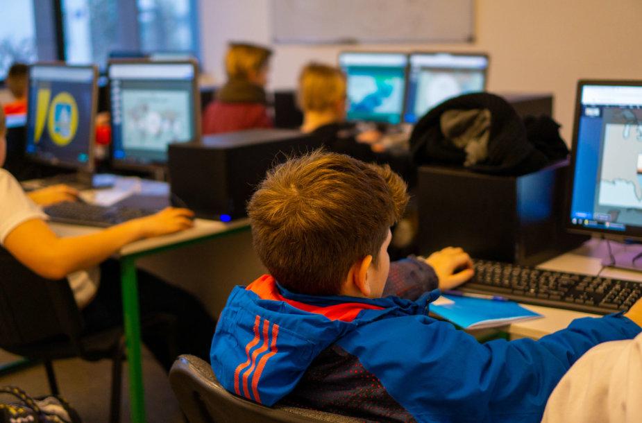 NKKM – kompiuterių mokykla, kurioje ruošiamasi ir egzaminams, ir ateities darbui