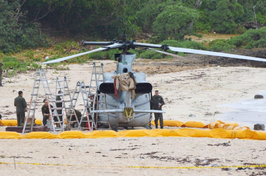 JAV karinis sraigtasparnis Okinavoje