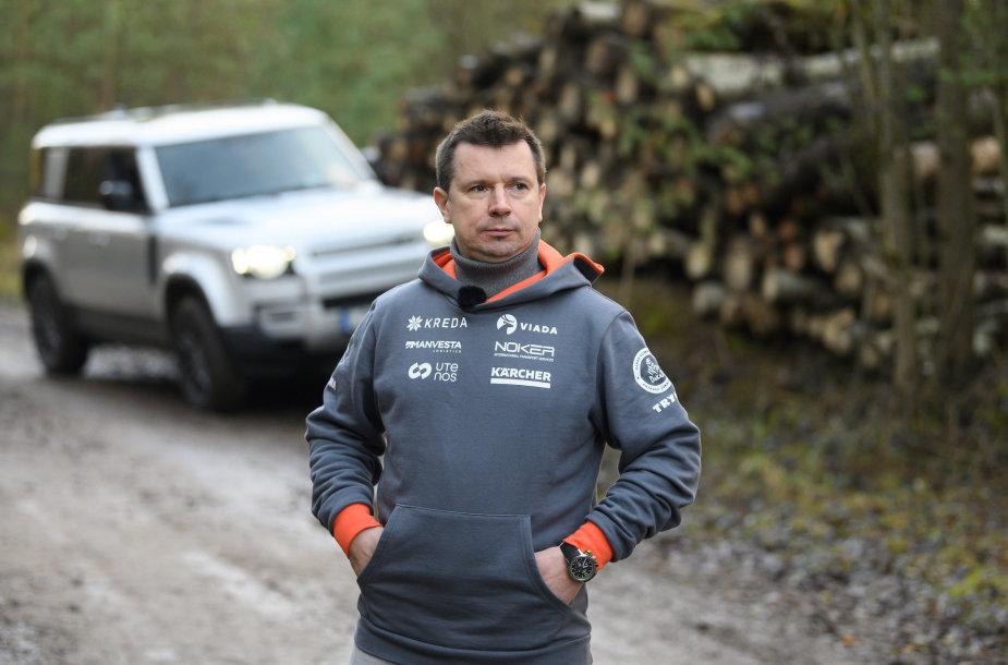 """Antanas Juknevičius išbandė """"Land Rover Defender"""""""