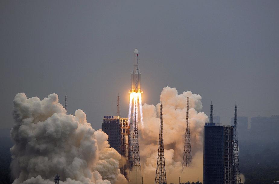 """Kinijos sunkioji nešančioji raketa """"Long March 5B"""""""