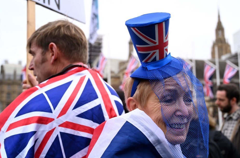 Britai švenčia išstojimą iš Europos Sąjungos