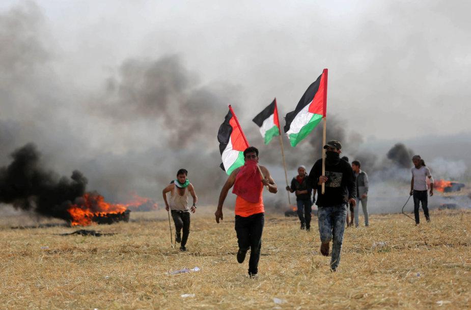 Per Izraelio aviacijos antskrydį prie Gazos Ruožo sienos žuvo palestinietis
