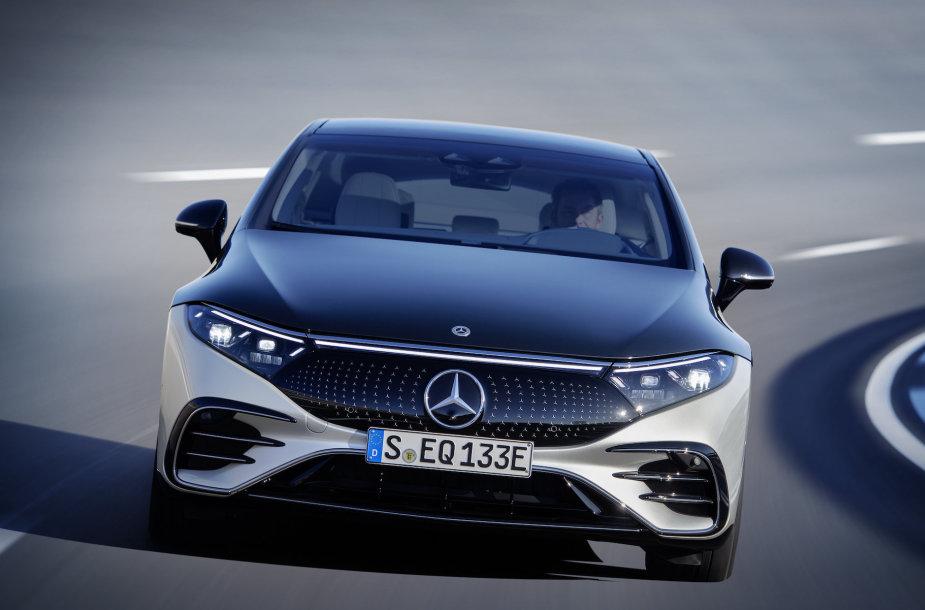 """Labai aerodinamiškas """"Mercedes-Benz EQS"""""""