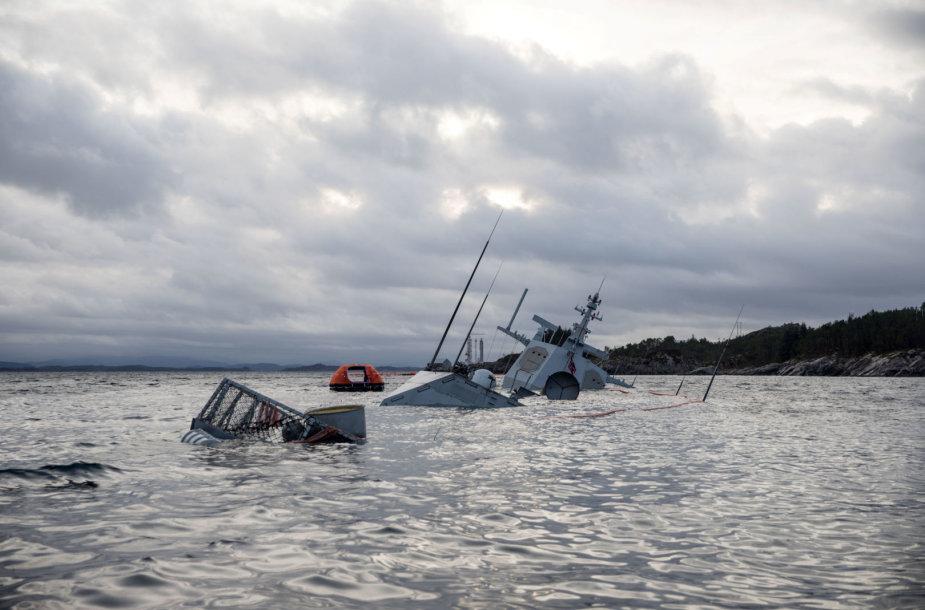 """Laivas """"KNM Helge Ingstad"""""""