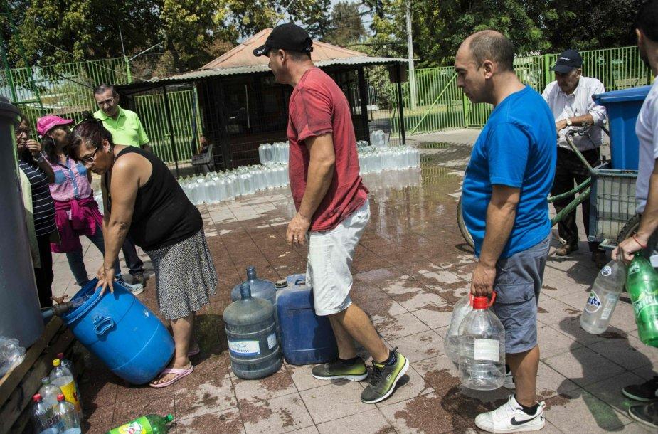 Čilėje daugybė žmonių liko be vandens