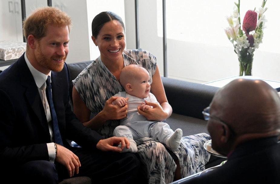 Sasekso hercogų sūnaus Archie debiutas Afrikoje