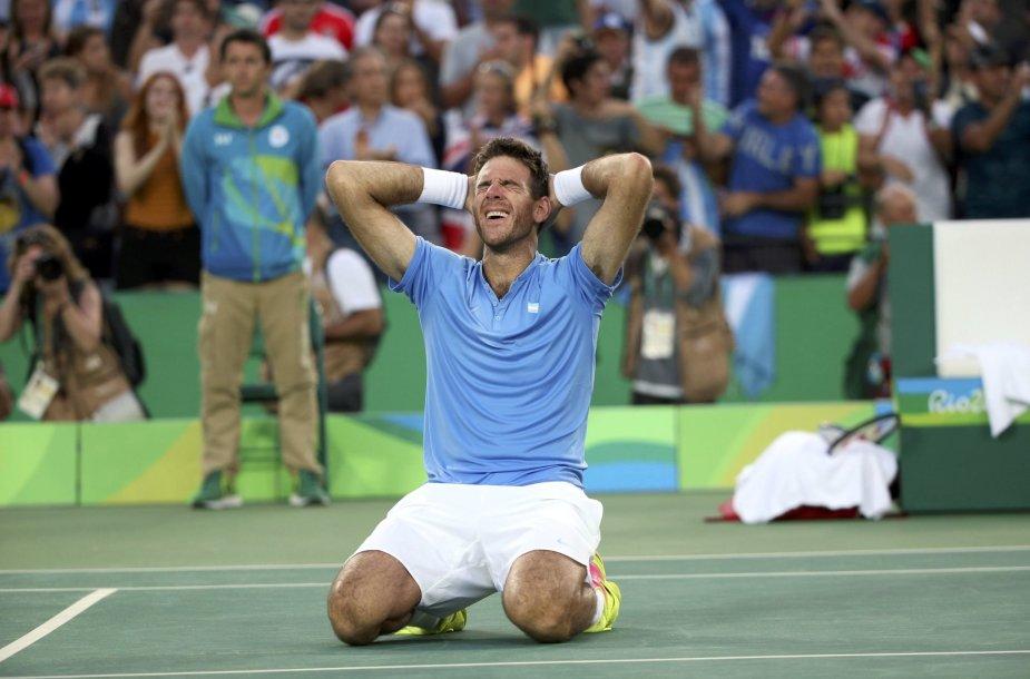 Nuostabiame olimpiados pusfinalyje Juanas Martinas del Potro įveikė Rafaelį Nadalį