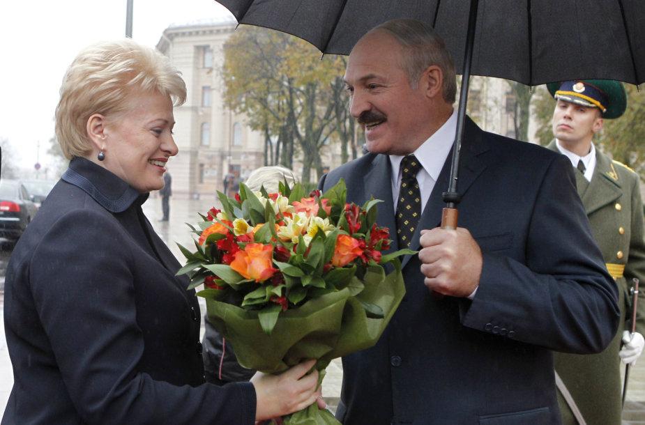 Aliaksandras Lukašenka pasitinka Dalią Grybauskaitę Minske