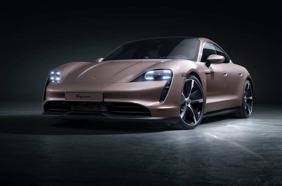 """""""Porsche Taycan"""" 2021 m."""
