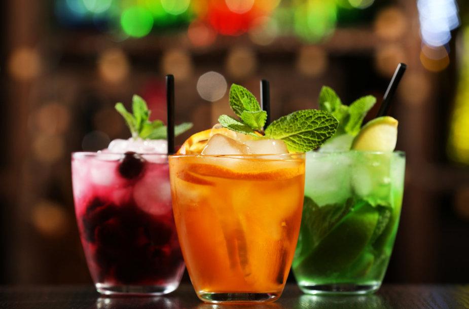 Alkoholiniai kokteiliai