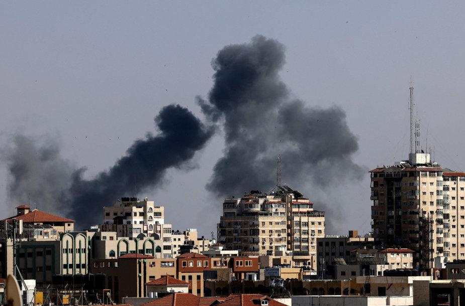 Izraelio aviacijos smūgiai Gazoje