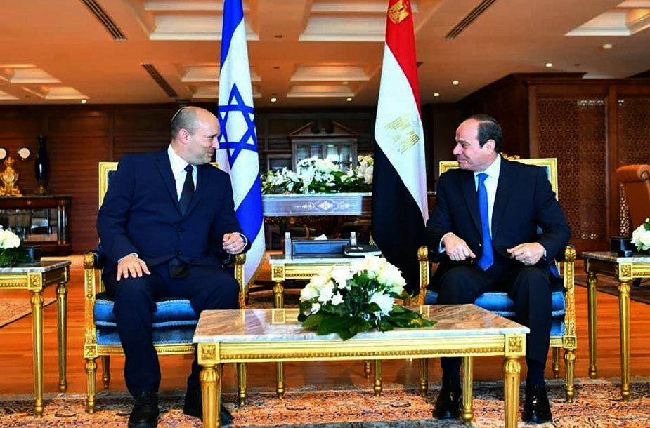 Naftali Bennettas ir Abdel Fattahas al Sisi