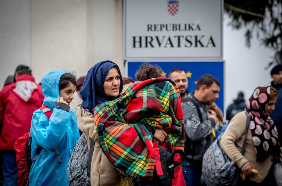 Migrantai Tovarniko (Kroatija) geležinkelio stotyje