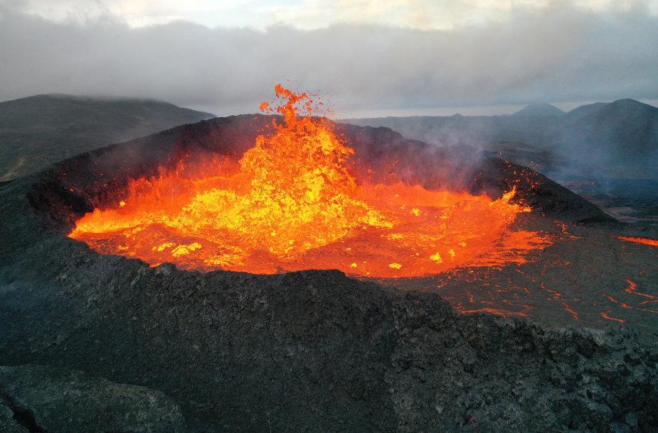 Fagradalsfjalio ugnikalnis Islandijoje