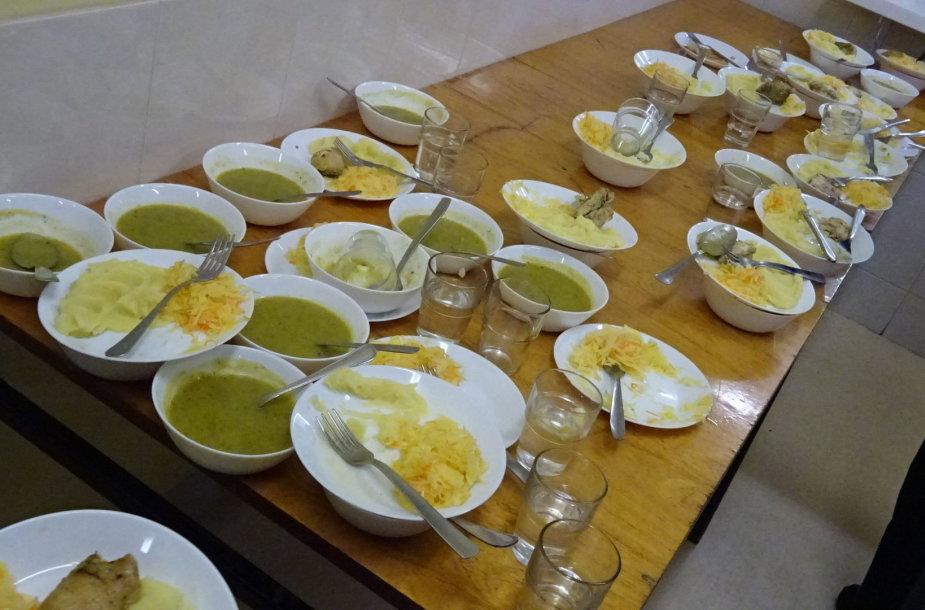 Maisto tikrinimas Vilniaus Maironio progimnazijoje